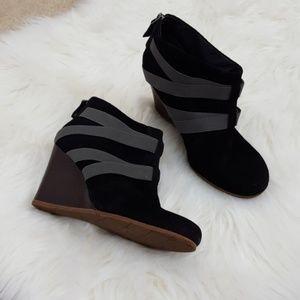 UGG AUSTRALIA black suede wedge booties size 7